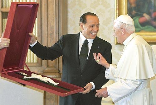 Berlusconi y sus amigos